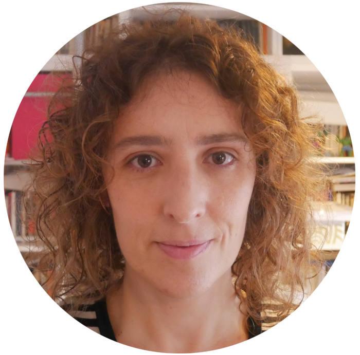 Fotografía de la autora del artículo, Cristina Fernández, arquitecta urbanista experta de EUROsociAL+ y colaboradora de Fundemuca